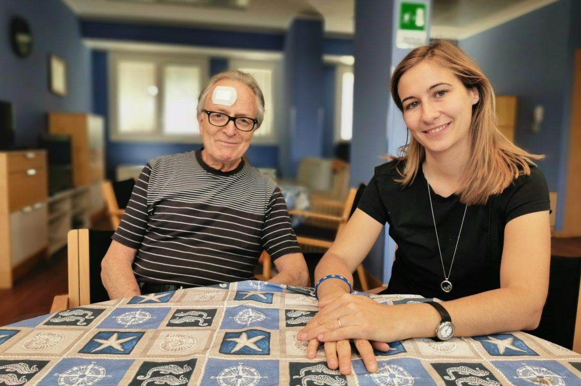 Giacomo Marinini (in forma nonostante il cerotto) e Alice Arienta a Casa Teresa Bonfiglio,  in via Don Gervasini. La struttura  inaugurata a marzo diventerà operativa il prossimo autunno